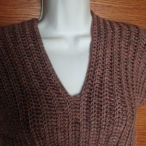Tops - 💐💐 Hand crocheted Sweater small nice and heavy.